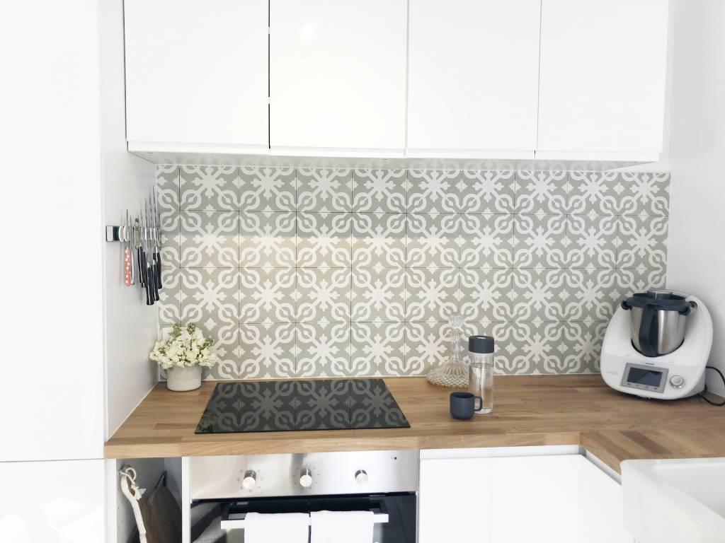 kitchen tiles, kitchen renovation, timber bench tops, splashback, torquay kitchen